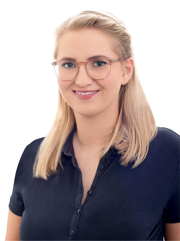 Alina Born